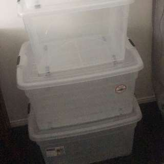 x2 small & x2 large storage containers