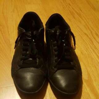 Size 8 Black Pumas