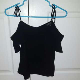 Small Black Loose Topshop Top, Exposed Shoulders