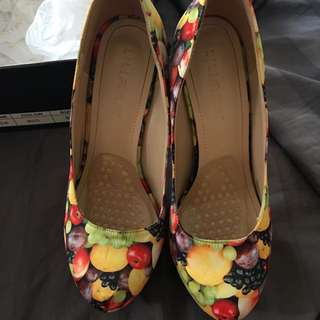 Liliana Fruit Salad Shoes Size 9