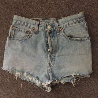 PERFECT PAIR LEVI'S DENIM SHORTS 501 SIZE 10