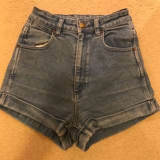 Wrangler PIN UP shorts (authentic)