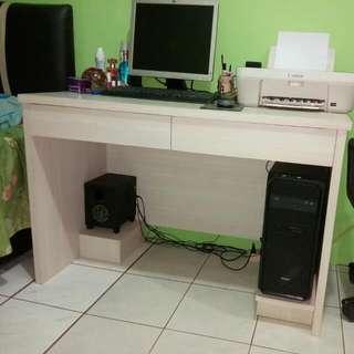 Working Desk Minimalist