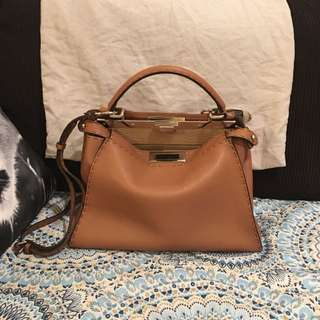 (Sold)Fendi Selleria Peekaboo