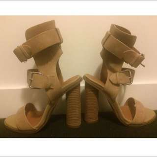 Jo Mercer Tan Heels