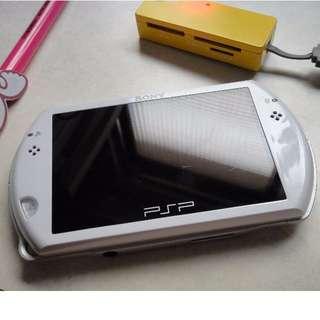 psp GO 白色的 (也有PSP-1007 2007 3007)