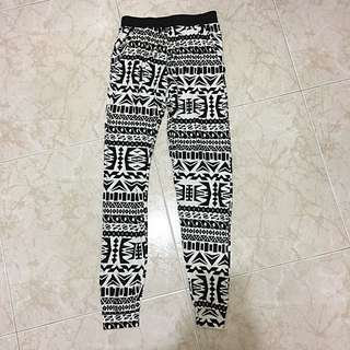 Brand New With Tag Ladies Monochrome Aztec Print Trousers