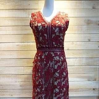 蕾絲V領鏤空洋裝