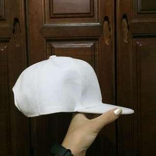 可調鬆緊白色帽子