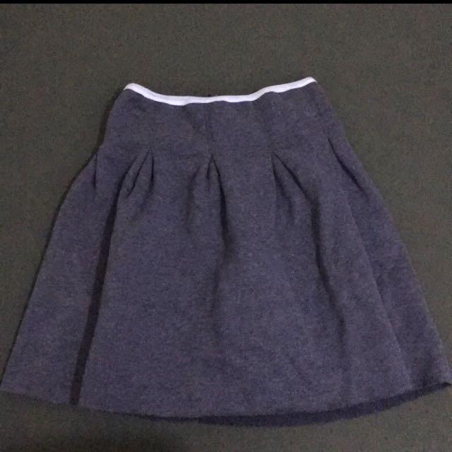 灰色混織不收邊棉料短裙