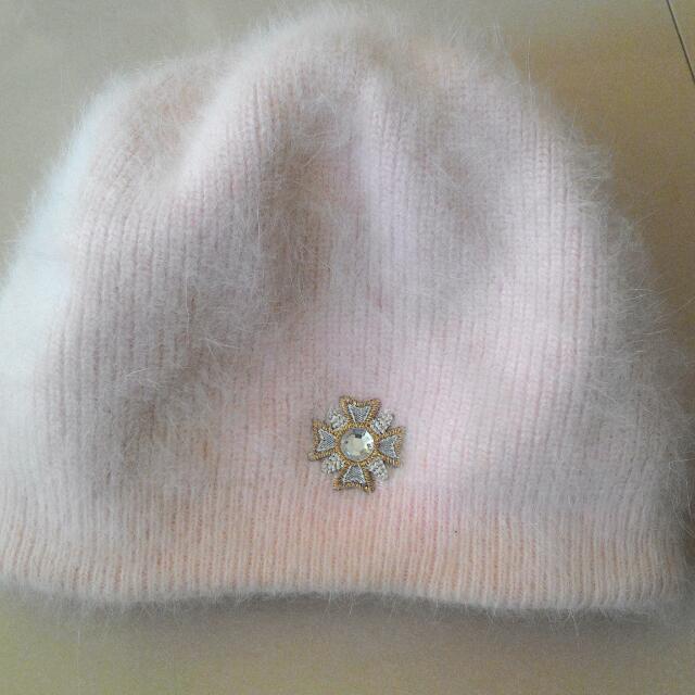 淡粉色的毛帽