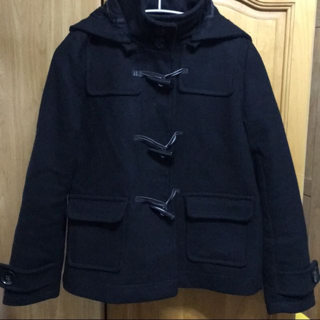 黑色立領牛角釦外套
