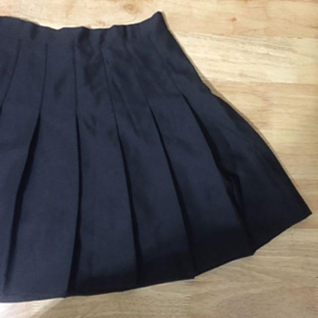 含運 黑色短裙
