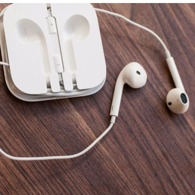ef7ab0f97c2 Apple EarPods with 3.5mm Headphone Plug - genuine - designed for ...