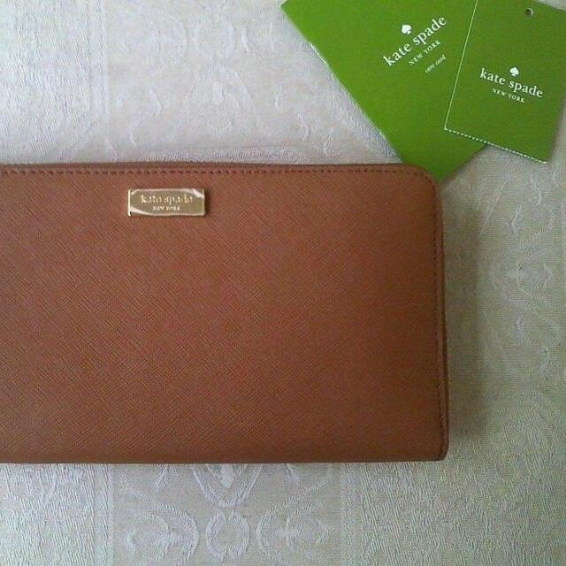 AUTHENTIC KATESPADE WITH TAGS