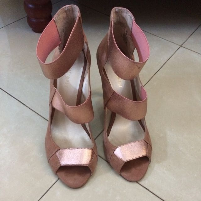 """Authentic Nine West """"Storm Chaser"""" Heels"""