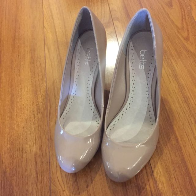 BETTS Mauve Pink Pumps Sz 8 AUS