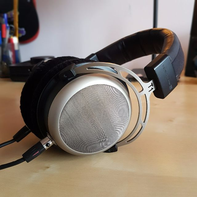 Beyerdynamic T1 (Gen 1) Tesla Headphone, Electronics, Audio