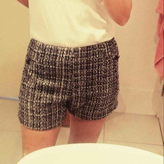 Black And White Metallic Thick Midwaist Shorts.  Size Medium (10-12) $15