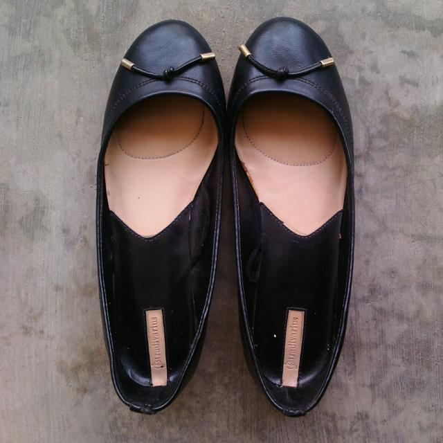 Black Stradivarius Flat Shoes