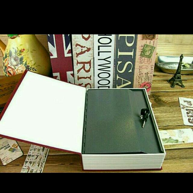 Book Safe - Mini Brankas Berbentuk Buku