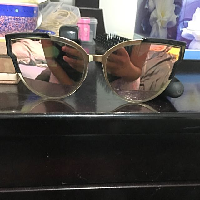 Dollboxx Rose Gold Sunglasses