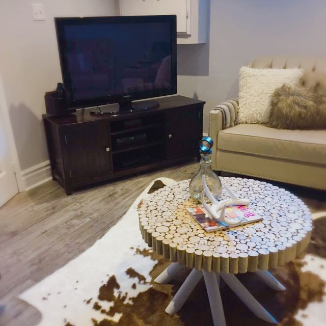 Good Condition Tv Table
