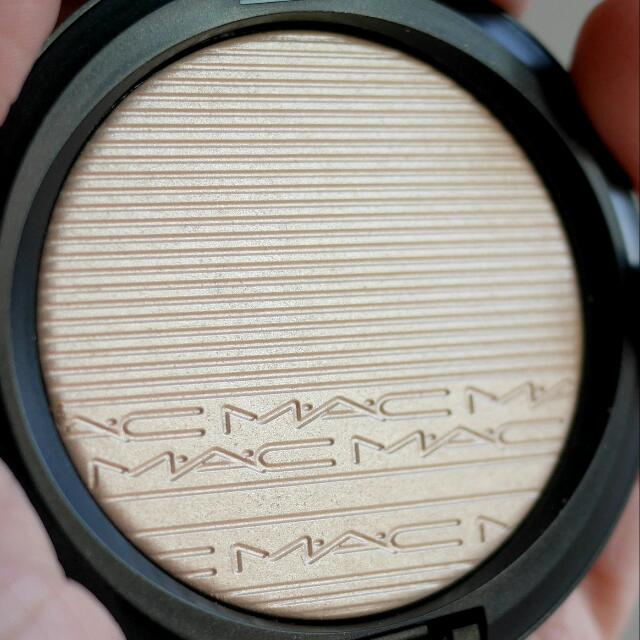 "MAC's Extradimensiom Skinfinish Highlighter In ""Double Gleam"""