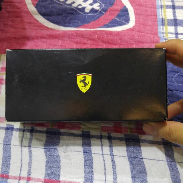 Oakley Scuderia Ferrari