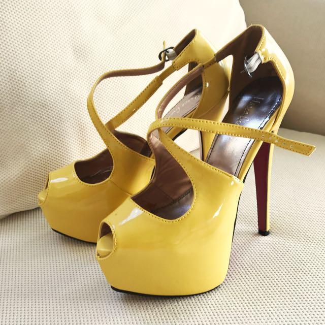 Buy Me!! Hot Heels 👠