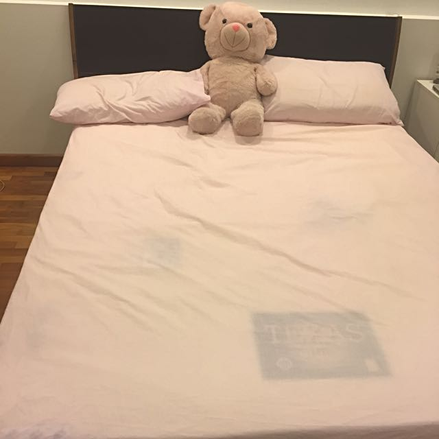 Premium Queen Size Bed, with an almost new Mattress (rate reduced further!!!)