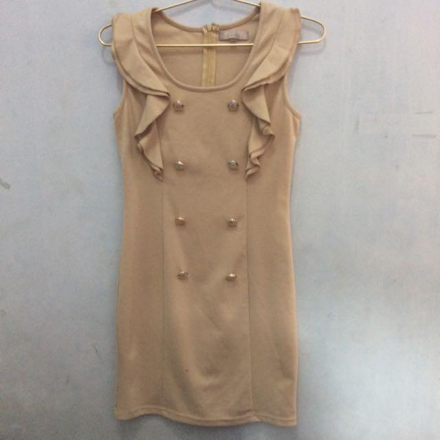 Temt Button Dress