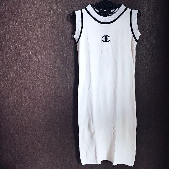 White dress Chanel Rajut