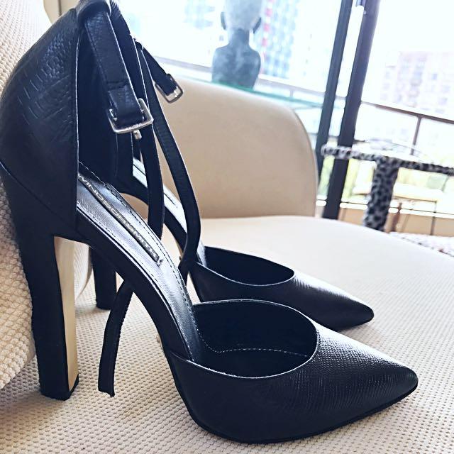 Buy Me! Windsor Smith heels 👠