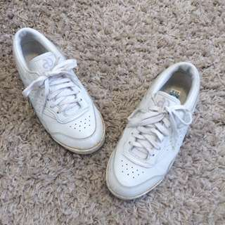 🔥Aasics White Sneakers Size 38 #10andunder