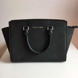 AUTHENTIC Michael Kors Selma Bag Large Black