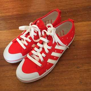 NEW authentic Adidas Sneaker Shoe
