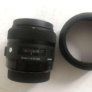 Sigma 30 1.4 Art Canon