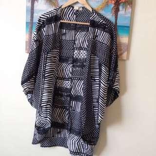 Roxy Beach Wrap Black& White Pattern