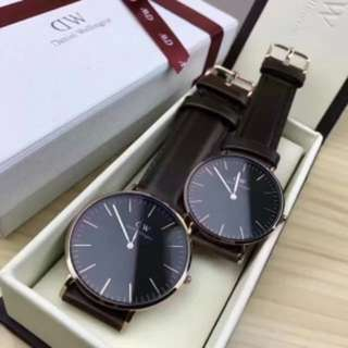 全新正品現貨免運/DW 34mm黑錶盤聖誕禮盒裝加贈尼龍錶帶