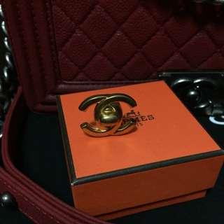 Chanel待匯款已保留大金釦耳環