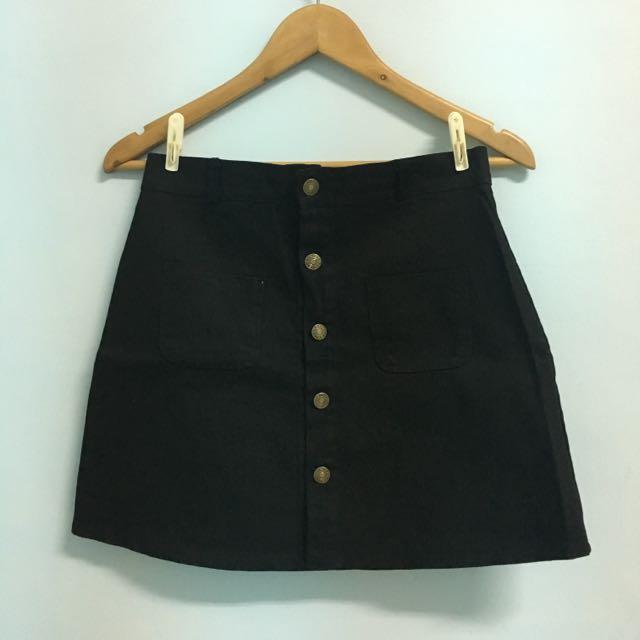 黑色排扣A字裙