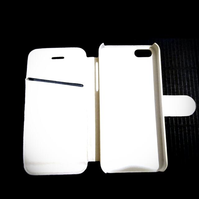 All White IPhone 5 Wallet Case