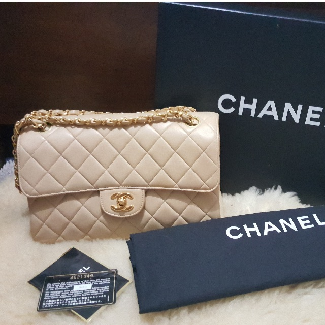 AUTHENTIC Chanel Classic Double Flap Bag in Medium Beige Lambskin ... 82d0ae8026