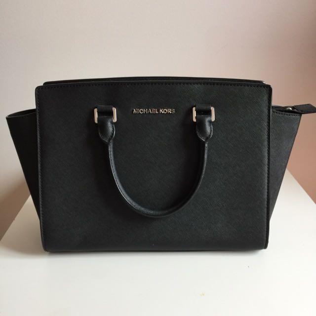 AUTHENTIC Michael Kors Selma Bag Large Black
