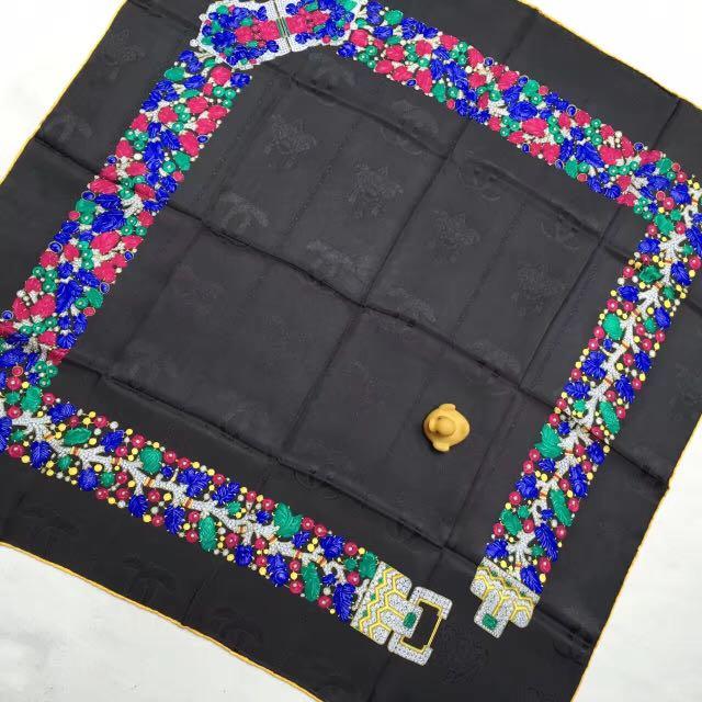 Cartier 寶石鏈條絲巾