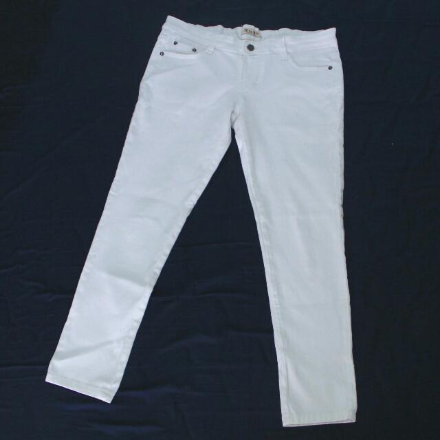Celana Putih Wanita