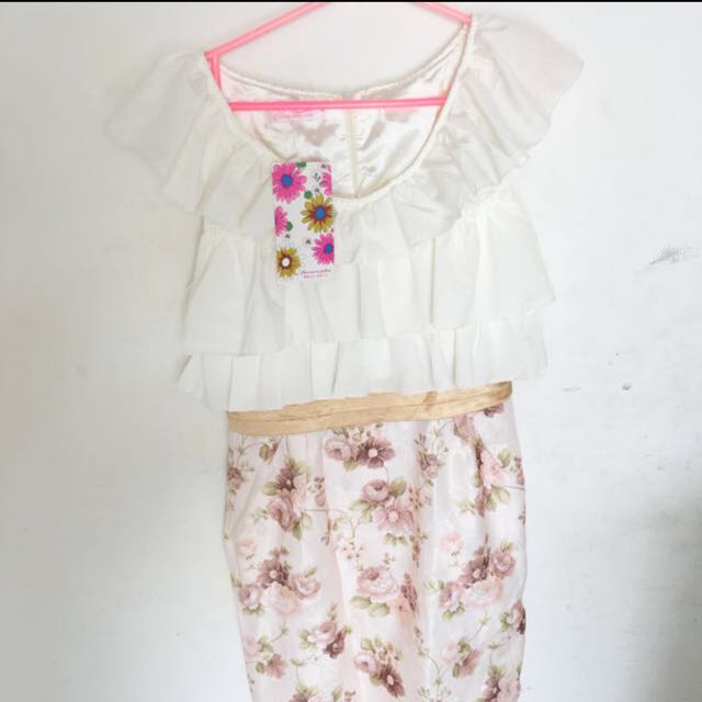 Dress White Flower