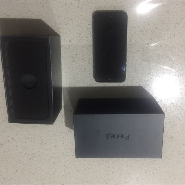 IPhone 5 32GB.  (All Boxes etc / Unlocked - New)