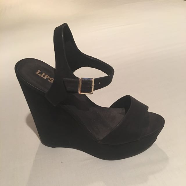 LIPSTICK BLACK WEDGES